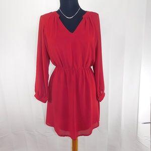 Tobi V-neck Red dress with Long Sleeves